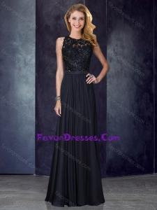 2016 Classical Column Scoop Criss Cross Applique Black Bridesmaid Dress