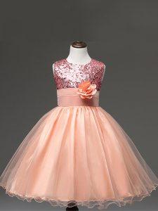 Amazing Knee Length Peach Little Girl Pageant Gowns Scoop Sleeveless Zipper