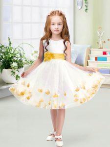 White Sleeveless Tulle Zipper Flower Girl Dresses for Less for Wedding Party