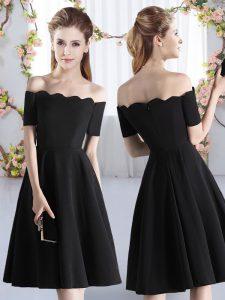 Cheap A-line Wedding Guest Dresses Black Off The Shoulder Satin Short Sleeves Knee Length Zipper