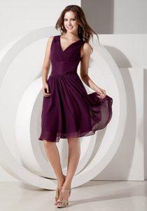 Dramatic Dark Purple V-neck Chiffon Dresses for Bridesmaid with Beading