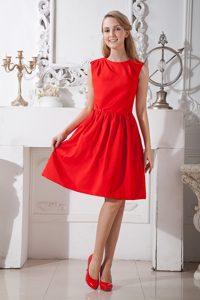 Customized Round-neck Knee-length Red Princess Taffeta Maid of Honor Dress