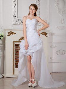 Fashionable Asymmetrical Sweetheart High-low Organza Wedding Bride Gown
