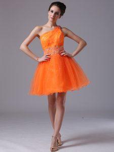 Pretty Orange Organza One Shoulder Mini Prom Dresswith Beading