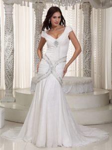 V-neck Short Sleeves Mermaid White Court Train Wedding Dresses with Beading