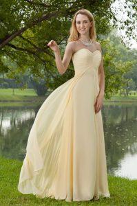 Light Yellow Sweetheart Ruched Chiffon Summer Holiday Prom Dress