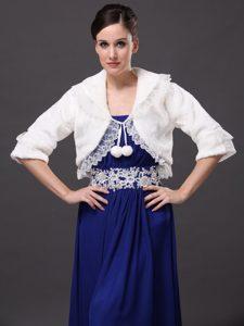 Faux Fur Fashionable Wedding V-Neck Half-Sleeves Wedding Party and Prom Jacket White