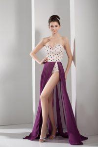 Fashion Purple and White Beaded Sweetheart Prom Attire in Chiffon