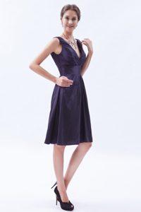 Dark Purple Empire V-neck Taffeta Bridesmaid Dress with Beading for Cheap