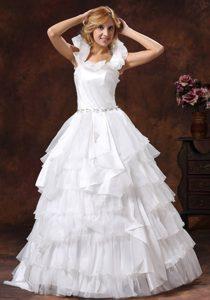 Gorgeous Scoop Zipper-up Organza Wedding Dresses with Belt in Floor-length