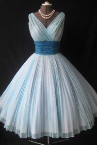 White Zipper V-neck Sashes ribbons and Ruching Prom Evening Gown Chiffon Sleeveless