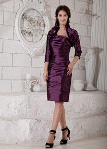 Purple Column Strapless Knee-length Taffeta Ruched Mother Dress for Wedding